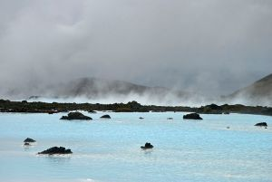 800px-The_blue_Lagoon,_Iceland_(5461115869)
